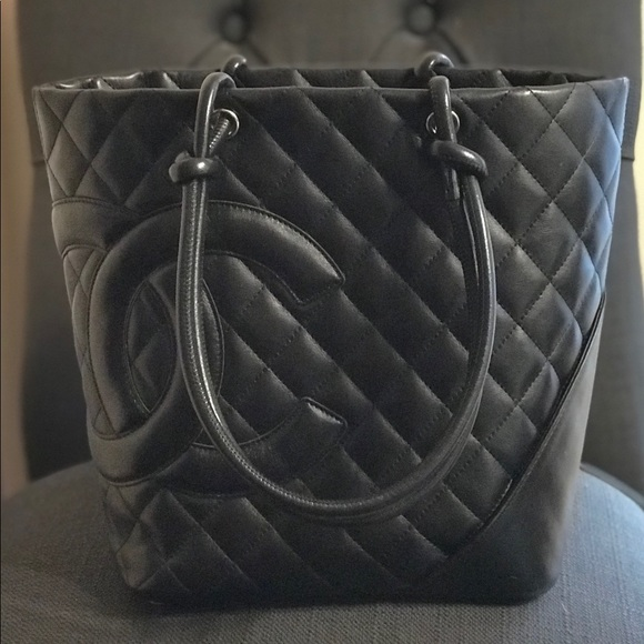 b8c53e323e6c CHANEL Handbags - Chanel Petit Shopping Tote